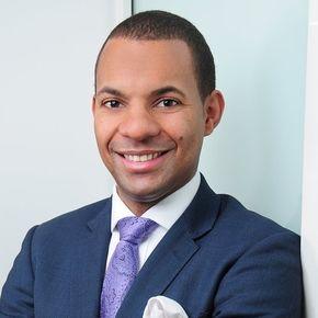 Benjamin Owusu-Afrani Finanzierungsvermittler Hamburg