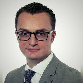Nico Sgangarella Finanzierungsvermittler Stuttgart