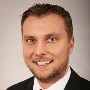 Dennis Schößler Bankberater Flörsheim am Main