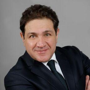 Omid Safaie Finanzberater Kölln-Reisiek