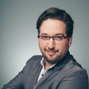 Maximilian D. Arnschink Finanzberater Hamburg