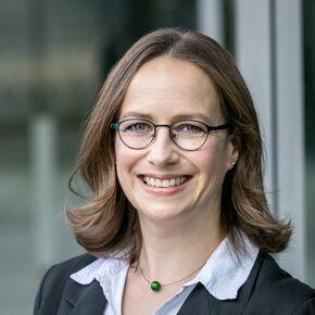 Yvonne Kühne Spezialist für private Finanzanalyse DIN 77230 Berlin